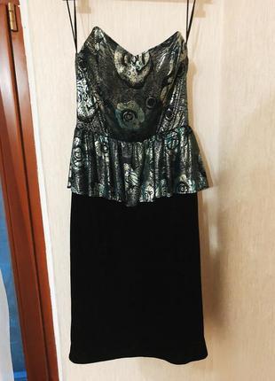 Праздничное нарядное платье с баской и корсетом