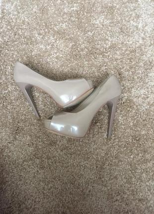 Красивые и стильные туфли