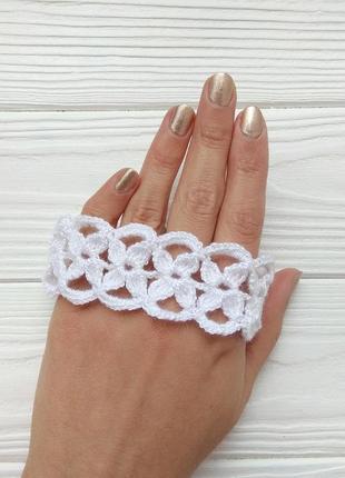 Вязаный чокер белого цвета