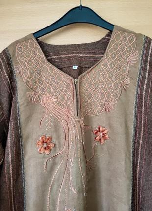 Длинное платье в этно стиле с вышивкой4 фото
