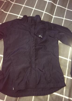 Легкая курточка ветровка