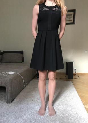 Платье bcbgeneration с кружевом и открытой спиной, размер xs