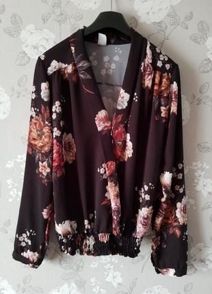 Шикарная блуза на запах в цветочный принт,красивая легкая блуза,летный топ в цветы