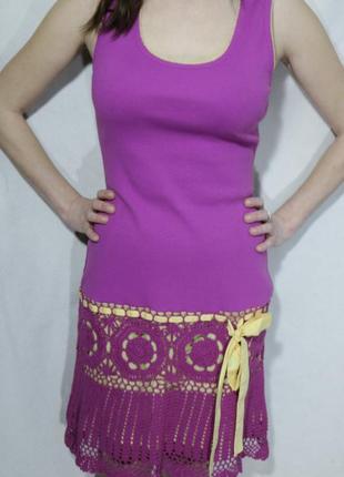 Новое яркое трикотажное платье-сарафан,  в комбинации с вязкой крючком