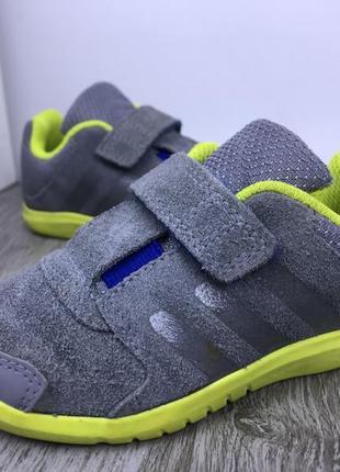 Комфортные кроссовки adidas1 фото