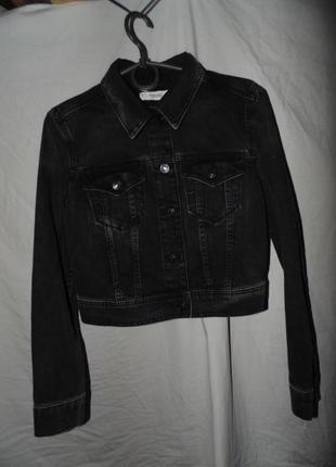 Куртка джинсовая нова без нюансов оригинал mng mango