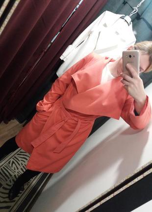 Очень яркое и легкое весеннее пальто