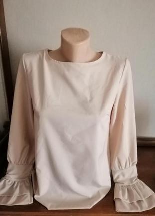 Красивая блузка с интересным рукавом.2 фото