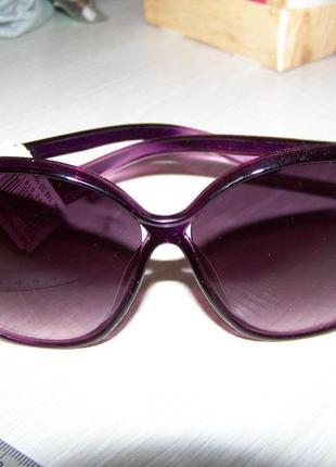 Фиолетовые солнцезащитные очки-стрекозы с дымчатой линзой с легким градиентом4 фото