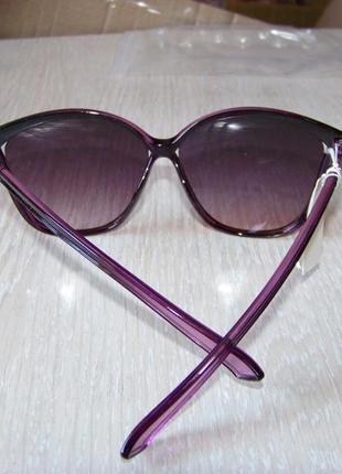 Фиолетовые солнцезащитные очки-стрекозы с дымчатой линзой с легким градиентом9 фото