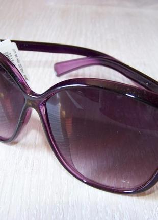 Фиолетовые солнцезащитные очки-стрекозы с дымчатой линзой с легким градиентом6 фото
