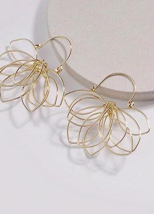 Стильные золотые сережки2 фото