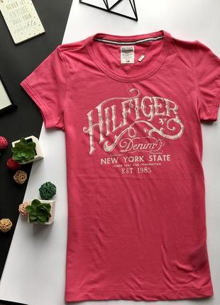 Оригинальная розовая футболка tommy hilfiger