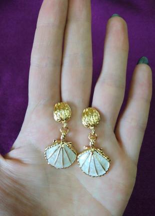 Серьги ракушки золото и белый перламутровый жемчуг6 фото