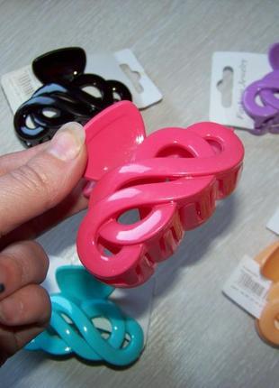 Заколка-краб пластиковая яркая однотонная  7 см в ассортименте цветов