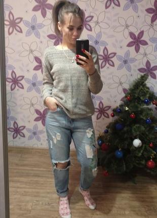 Крутые рваные мом джинсы