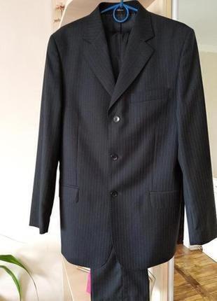 Стильный  фирменный костюм на выпускной для юноши,р.44-46