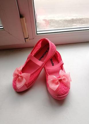 Летняя обувь девочка размер 30-35 бренд alex производитель румыния