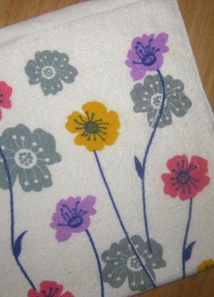 Новое полотенце размером 34*74 см