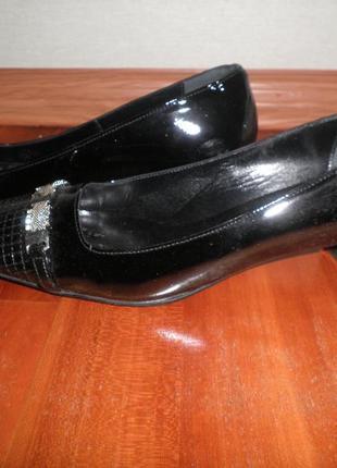 Туфли fellini лаковая кожа 38р
