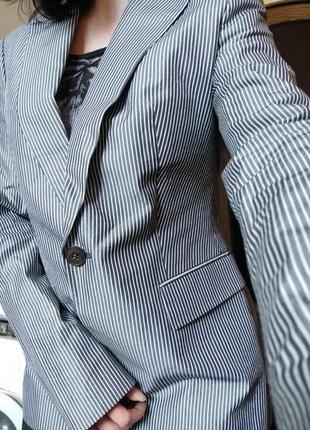 Пиджак hugo boss цена за срочность!