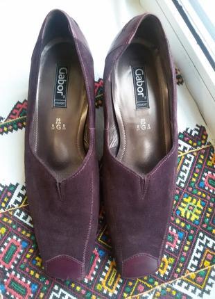Шикарные  замшевые туфли gabor