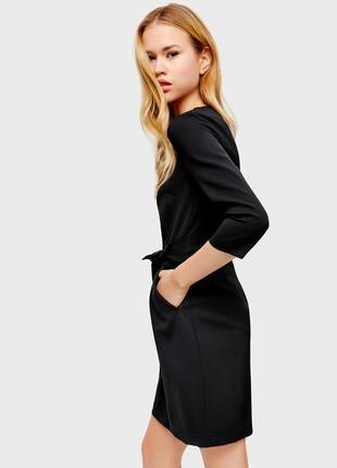 Черное платье c поясом