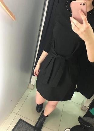 Черное платье c поясом4 фото