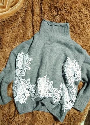 Свитшот с рюшем, пуловер с кружевом, кофта с кружевом, свитер с рюшем