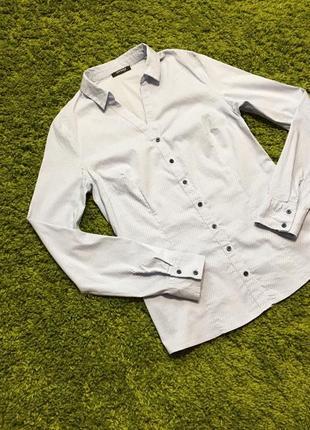 Нарядная рубашка в мелкий горох р.s отличное состояние