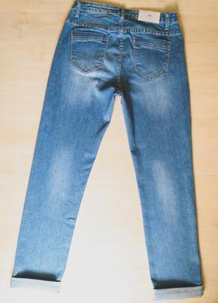 Весенние джинсы  голубые стрейчевые4 фото