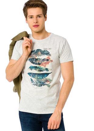 1ab94352c8f Серая мужская футболка lc waikiki   лс вайкики с перьями и надписью central  coast