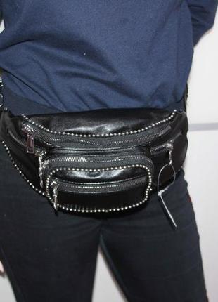 Стильная и качественная сумочка на пояс