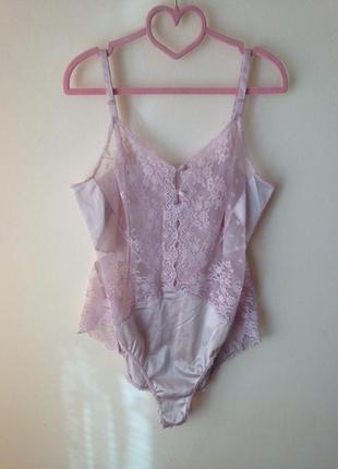 Оригінальне рожеве  мереживне боді vanity fair