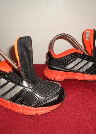 Кроссовки оригинал adidas adifast без шнурков 29 размер