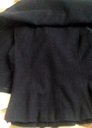 Оригинальное и стильное коротенькое пальто-кейп от mango в составе шерсть4 фото