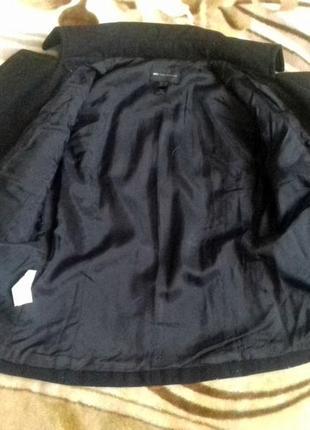 Оригинальное и стильное коротенькое пальто-кейп от mango в составе шерсть5 фото