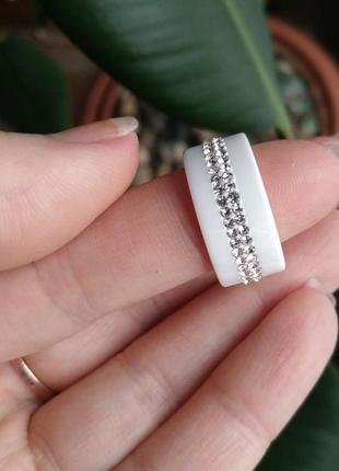 Кольцо колечко керамика белое цирконий