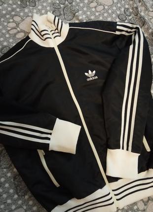 Adidas куртка оригинал