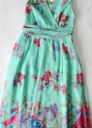 Нежно бирюзовое платье