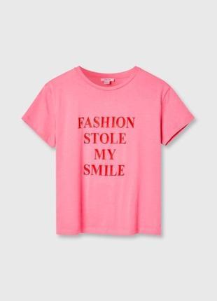 Розовая футболка с принтом ostin7 фото
