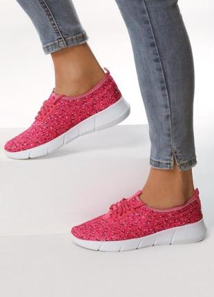 Новые женские малиновые кроссовки