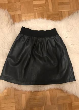 Продам стильную юбку reserved