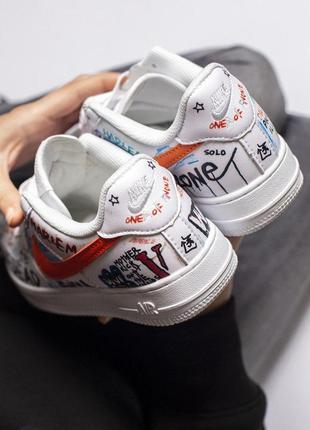 Стильные кроссовки nike в белом цвете с цветными надписями ////😍7 фото