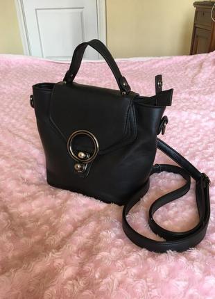 Красивая сумочка-рюкзак