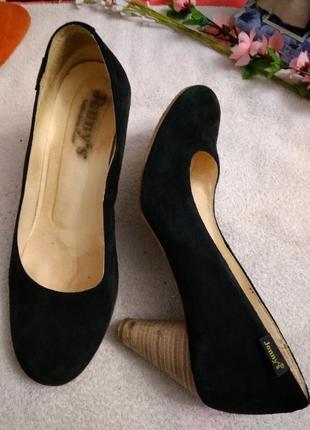 Туфлі замшеві. іспанія.