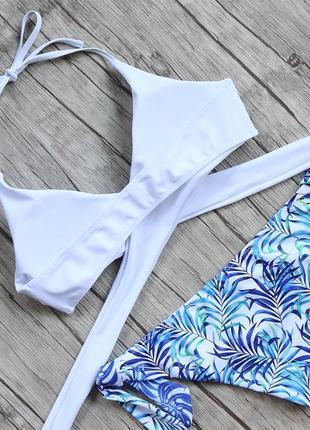 Раздельный купальник белый голубой  лиф плавки трусики завязываются пальмовые листья чашки2