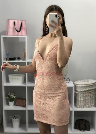 Красивое платье prettylittlething5