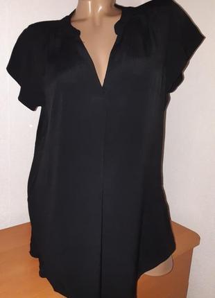 Чёрная блуза из вискозы свободного кроя1