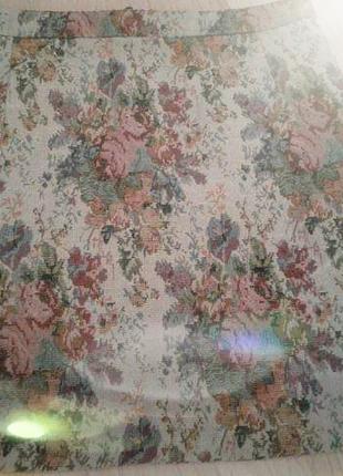 Жакардова міні-спідничка з імітацією вишивки